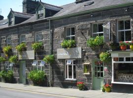 Yr Hen Fecws, hotel in Porthmadog