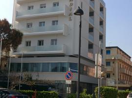 Hotel Mondial, отель в Беллария-Иджеа-Марина