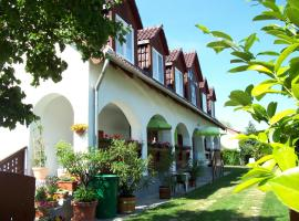 Haus Martha, hotel near Royal Balaton Golf & Yacht Club, Balatonudvari