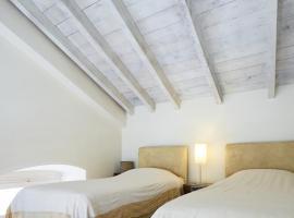 Ξενώνας Λίλα, ξενοδοχείο στην Ερμούπολη