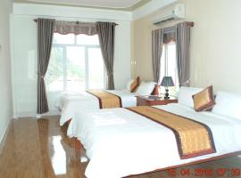 Paradise Hotel, hotel in Phong Nha