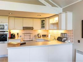 Cameron House One Bedroom Detached Bungalow L5, hotel in Balloch
