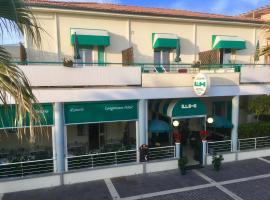 Lungomare Hotel, hotell i Marina di Cecina