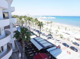 Lazuli Beachfront Apartment 43, hotel near Finikoudes Beach, Larnaca