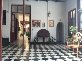 Posada Casa de Borgoña, hostel in Salta