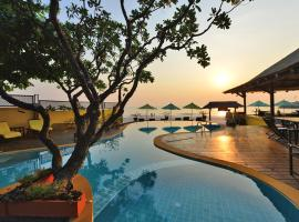 Supatra Hua Hin Resort, hotel in Hua Hin