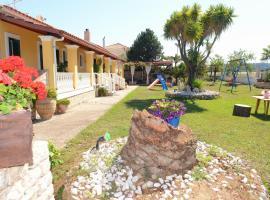 Villa Anna, Hotel in Almiros Beach