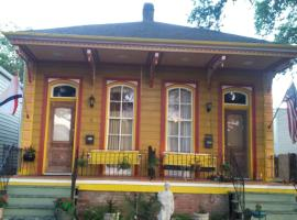 Creole Victorian for groups large and small, villa in New Orleans