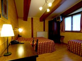 Hotel La Pigna, hotel in Bardonecchia