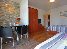 Apartman Great Wall, hotel in Split