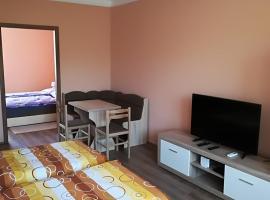 B&K Apartman, hotel near Nádasdy Castle, Sárvár