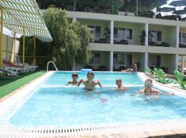 Green hotel-club, отель в Затоке