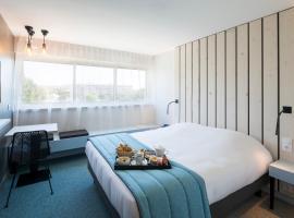 Opéralia Hôtel les Pins, hotel near Casino Balaruc-Les-Bains, Balaruc-les-Bains