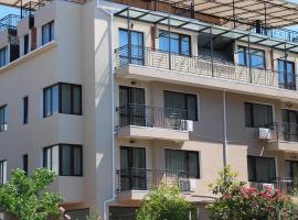 Flowers Apartments, guest house in Nesebar
