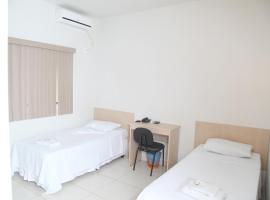 Hotel Borges, hotel in Quirinópolis
