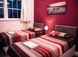 Jersey Accommodation and Activity Centre, golf hotel in Gorey