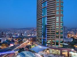 Hilton Beirut Habtoor Grand Hotel, hotel in Beirut