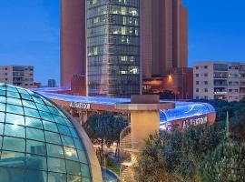Hilton Beirut Metropolitan Palace Hotel, hotel cerca de Aeropuerto Internacional Rafic Hariri de Beirut - BEY, Beirut
