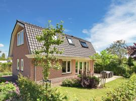 Comfortable holiday home with a garden at 1.1km from the sea, villa in Noordwijk aan Zee