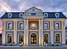 Hotel Mansor, hótel í Ząbki