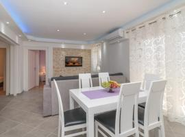 "New 4* apartment ""Orto"" in the center of Trogir, apartment in Trogir"