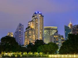 Centre Point Sukhumvit 10, hotel in Bangkok