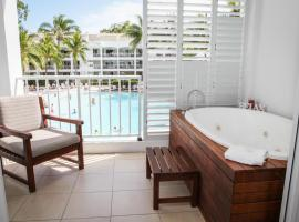 "3121 ""SHILOH"" AT THE BEACH CLUB, hotel in Palm Cove"