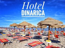 Hotel Dinarica, hotell i Marotta