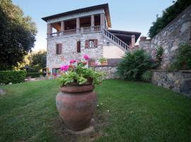 Il Castagno Toscana, glamping site in Campiglia Marittima