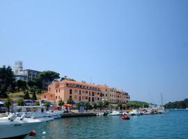 Apartments Riva, hotel in Vrsar
