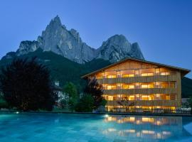 Artnatur Dolomites Hotel & Spa, hotel in Siusi