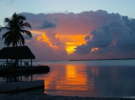 Rock Reef Resort, inn in Key Largo
