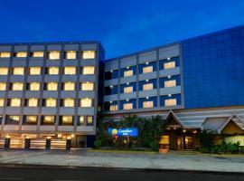 Comfort Inn Sunset, hotel near Sardar Vallabhbhai Patel International Airport - AMD,