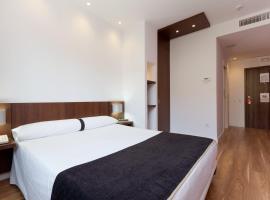 Hotel Olympia Universidades, hotel in Valencia