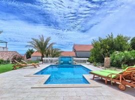Lantana Holiday Home, vila v destinaci Bol