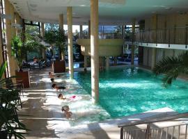 Wellness Hotel Gyula, отель в Дьюле