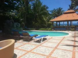 D' Franchesis Hostal, guest house in Juan Dolio