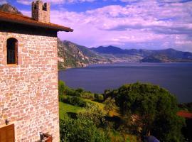 Castello di Zorzino Iseo lake, hotel a Riva di Solto