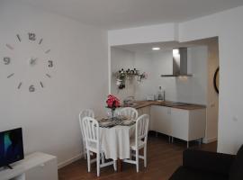 Apartamento Cerca De La Playa Y Campo De Golf Con Piscina, lägenhet i Torremolinos
