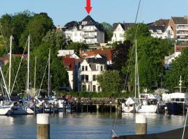 Stadtvilla mit Hafenpanorama, hotel i nærheden af Flensborg Havn, Flensborg