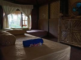 Bale Jukung, hotel near Tiu Gangga Waterfall, Tanjung