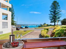 Beauty at the Beach - modern beachfront apartment, accommodation in Port Macquarie