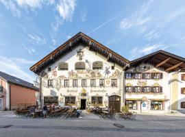 Hotel & Gasthof Fraundorfer, guest house in Garmisch-Partenkirchen