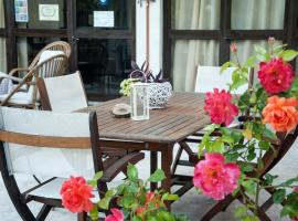 Malibu, pet-friendly hotel in Glyfada
