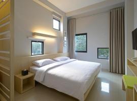 Arjuna Hotel Batu City, hotel in Batu