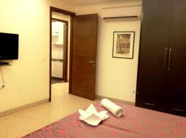 Woodpecker Service Apartments - Green Park, apartment in New Delhi
