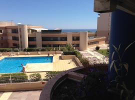 Résidence avec piscine et box, vue sur mer, accessible hotel in Sète
