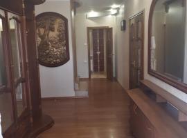 Holiday home on ulitsa Eniseyskaya, holiday home in Yeysk