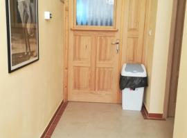 Cinema House Single & Double Rooms, B&B in Pula