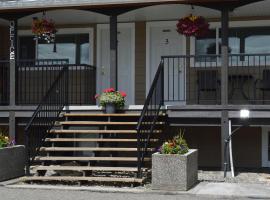94 Motel & RV Park, motel in One Hundred Mile House